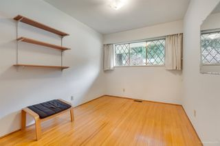 "Photo 12: 972 GARROW Drive in Port Moody: Glenayre House for sale in ""Glenayre"" : MLS®# R2430500"