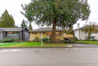 """Photo 3: 972 GARROW Drive in Port Moody: Glenayre House for sale in """"Glenayre"""" : MLS®# R2430500"""