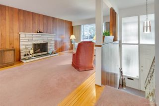 "Photo 3: 972 GARROW Drive in Port Moody: Glenayre House for sale in ""Glenayre"" : MLS®# R2430500"
