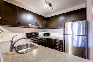 "Photo 10: 407 929 W 16TH Avenue in Vancouver: Fairview VW Condo for sale in ""OAKVIEW GARDENS"" (Vancouver West)  : MLS®# R2435736"
