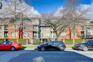 "Photo 2: 407 929 W 16TH Avenue in Vancouver: Fairview VW Condo for sale in ""OAKVIEW GARDENS"" (Vancouver West)  : MLS®# R2435736"