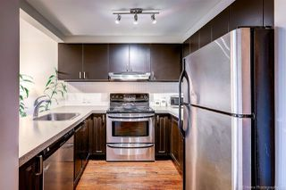 "Photo 8: 407 929 W 16TH Avenue in Vancouver: Fairview VW Condo for sale in ""OAKVIEW GARDENS"" (Vancouver West)  : MLS®# R2435736"
