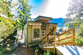 Photo 3: 210A LAKESHORE Drive: Cultus Lake House for sale : MLS®# R2446531