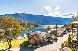 Photo 2: 210A LAKESHORE Drive: Cultus Lake House for sale : MLS®# R2446531