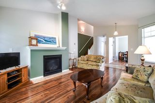 """Photo 5: 21 8737 212 Street in Langley: Walnut Grove Townhouse for sale in """"CHARTWELL GREEN"""" : MLS®# R2470711"""