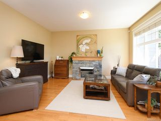 Photo 2: 20 1880 Laval Ave in : SE Mt Doug Row/Townhouse for sale (Saanich East)  : MLS®# 845730