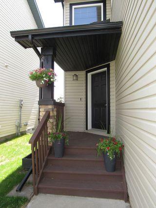 Photo 2: 9061 SCOTT Crescent in Edmonton: Zone 14 House Half Duplex for sale : MLS®# E4208467