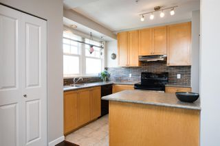 """Photo 16: 1805 NAPIER Street in Vancouver: Grandview Woodland Townhouse for sale in """"SALSBURY HEIGHTS"""" (Vancouver East)  : MLS®# R2512808"""