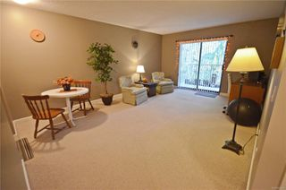 Photo 4: 405 4720 Uplands Dr in : Na North Nanaimo Condo for sale (Nanaimo)  : MLS®# 859624