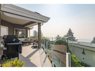 "Photo 16: 14502 MALABAR Crescent: White Rock House for sale in ""WHITE ROCK HILLSIDE WEST"" (South Surrey White Rock)  : MLS®# R2526276"