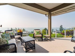 "Photo 15: 14502 MALABAR Crescent: White Rock House for sale in ""WHITE ROCK HILLSIDE WEST"" (South Surrey White Rock)  : MLS®# R2526276"