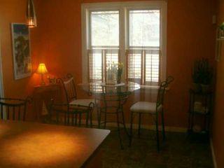 Photo 3: 40 KINGSTON Row in WINNIPEG: St Vital Single Family Detached for sale (South East Winnipeg)  : MLS®# 2706025