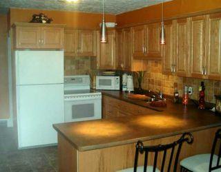Photo 2: 40 KINGSTON Row in WINNIPEG: St Vital Single Family Detached for sale (South East Winnipeg)  : MLS®# 2706025