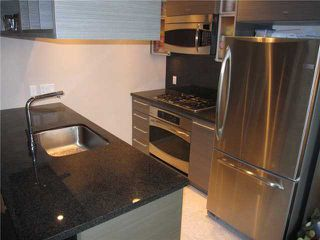 """Photo 2: # 807 833 SEYMOUR ST in Vancouver: Downtown VW Condo for sale in """"CAPITAL"""" (Vancouver West)  : MLS®# V896603"""