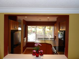 "Photo 4: 4764 FERNGLEN PL in Burnaby: Greentree Village Condo for sale in ""GREENTREE VILLAGE"" (Burnaby South)  : MLS®# V917733"