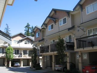 "Photo 2: 56 5839 PANORAMA Drive in Surrey: Sullivan Station Townhouse for sale in ""Forest Gate"" : MLS®# F2720827"