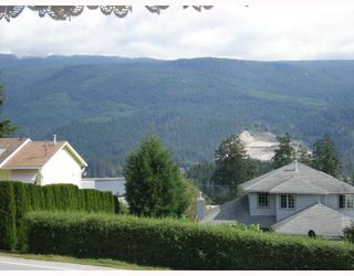 Photo 6: 6129 FAIRWAY Avenue in Sechelt: Sechelt District House for sale (Sunshine Coast)  : MLS®# V664192