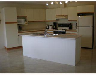 Photo 3: 6129 FAIRWAY Avenue in Sechelt: Sechelt District House for sale (Sunshine Coast)  : MLS®# V664192