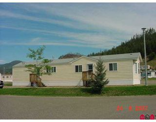 """Main Photo: 33 4510 POWER Road in No_City_Value: FVREB Out of Town Manufactured Home for sale in """"Sunset Heights M.H. Park"""" : MLS®# F2724354"""