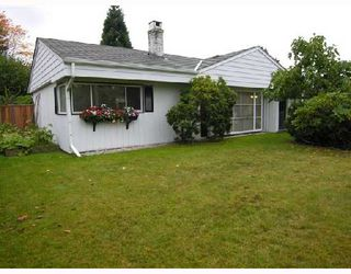 Photo 2: 1329 COTTONWOOD Place in North_Vancouver: Norgate House for sale (North Vancouver)  : MLS®# V673150