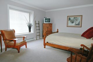 "Photo 10: 16963 61B AV in Surrey: Cloverdale BC House for sale in ""PARKVIEW TERRACE"" (Cloverdale)  : MLS®# F2609499"