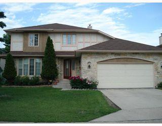 Photo 1: 148 KIRKBRIDGE Drive in WINNIPEG: Fort Garry / Whyte Ridge / St Norbert Residential for sale (South Winnipeg)  : MLS®# 2803157