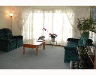 Photo 3: 148 KIRKBRIDGE Drive in WINNIPEG: Fort Garry / Whyte Ridge / St Norbert Residential for sale (South Winnipeg)  : MLS®# 2803157