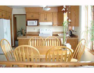 Photo 2: 148 KIRKBRIDGE Drive in WINNIPEG: Fort Garry / Whyte Ridge / St Norbert Residential for sale (South Winnipeg)  : MLS®# 2803157