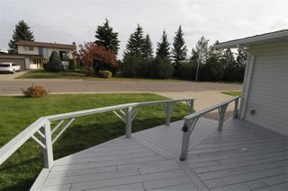 Photo 2: 10612 Rowland Road in Edmonton: Zone 19 House for sale : MLS®# E4176713