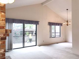 "Photo 3: 38 11291 7TH Avenue in Richmond: Steveston Village Townhouse for sale in ""MARINER'S VILLAGE"" : MLS®# R2469827"