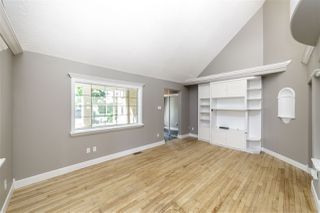 Photo 2: 11313 126 Street in Edmonton: Zone 07 House for sale : MLS®# E4211117