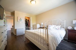 "Photo 15: 303 10468 148 Street in Surrey: Guildford Condo for sale in ""GUILDFORD GREENE"" (North Surrey)  : MLS®# R2493810"