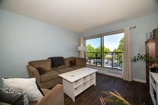 "Photo 4: 303 10468 148 Street in Surrey: Guildford Condo for sale in ""GUILDFORD GREENE"" (North Surrey)  : MLS®# R2493810"