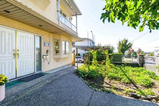 Photo 4: 7698 MAIN Street in Vancouver: South Vancouver House for sale (Vancouver East)  : MLS®# R2497110