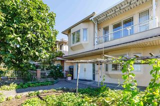 Photo 3: 7698 MAIN Street in Vancouver: South Vancouver House for sale (Vancouver East)  : MLS®# R2497110