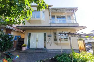 Photo 2: 7698 MAIN Street in Vancouver: South Vancouver House for sale (Vancouver East)  : MLS®# R2497110