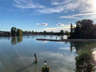Main Photo: 418 3 RIALTO Court in New Westminster: Quay Condo for sale : MLS®# R2501335