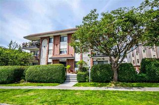 Main Photo: 306 214 E 15TH Street in North Vancouver: Central Lonsdale Condo for sale : MLS®# R2505226