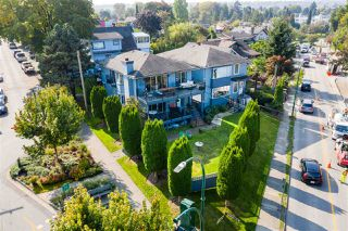 Photo 3: 2706 POINT GREY Road in Vancouver: Kitsilano House for sale (Vancouver West)  : MLS®# R2505369