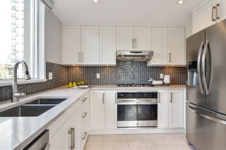 """Photo 7: 311 1383 MARINASIDE Crescent in Vancouver: Yaletown Condo for sale in """"THE COLUMBUS"""" (Vancouver West)  : MLS®# R2517946"""