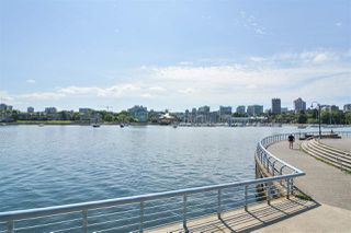"""Photo 20: 311 1383 MARINASIDE Crescent in Vancouver: Yaletown Condo for sale in """"THE COLUMBUS"""" (Vancouver West)  : MLS®# R2517946"""