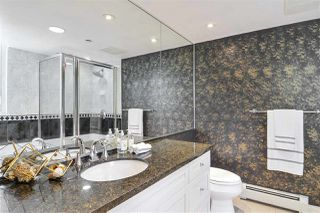 """Photo 11: 311 1383 MARINASIDE Crescent in Vancouver: Yaletown Condo for sale in """"THE COLUMBUS"""" (Vancouver West)  : MLS®# R2517946"""