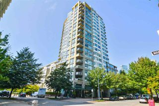 """Photo 1: 311 1383 MARINASIDE Crescent in Vancouver: Yaletown Condo for sale in """"THE COLUMBUS"""" (Vancouver West)  : MLS®# R2517946"""