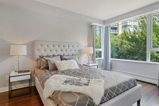 """Photo 9: 311 1383 MARINASIDE Crescent in Vancouver: Yaletown Condo for sale in """"THE COLUMBUS"""" (Vancouver West)  : MLS®# R2517946"""