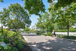 """Photo 19: 311 1383 MARINASIDE Crescent in Vancouver: Yaletown Condo for sale in """"THE COLUMBUS"""" (Vancouver West)  : MLS®# R2517946"""