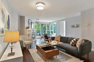 """Photo 2: 311 1383 MARINASIDE Crescent in Vancouver: Yaletown Condo for sale in """"THE COLUMBUS"""" (Vancouver West)  : MLS®# R2517946"""