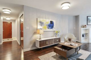 """Photo 8: 311 1383 MARINASIDE Crescent in Vancouver: Yaletown Condo for sale in """"THE COLUMBUS"""" (Vancouver West)  : MLS®# R2517946"""
