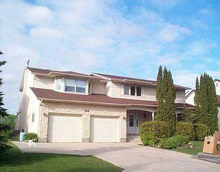 Photo 1: 195 EDGEWATER Drive in Winnipeg: Windsor Park / Southdale / Island Lakes Single Family Detached for sale (South East Winnipeg)  : MLS®# 2607705
