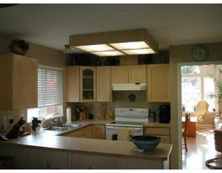 Photo 4: 12382 NIKOLA ST in Pitt Meadows: House for sale : MLS®# V865607