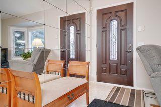 Photo 3: 2804 37 Street NW in Edmonton: Zone 29 House for sale : MLS®# E4166784